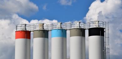 IIOT verwijst naar installaties, apparatuur en sensoren die met elkaar verbonden zijn in een industriële omgeving.